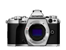 Olympus OM-D E-M5 Mark II 16.0MP Digitalkamera - Silber **Demomodell **Händler**