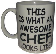 Ce est ce que un génial chef ressemble Tasse à café des couteaux de cuisine Outils