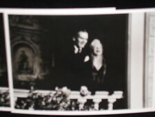 2 photo postcards Marilyn Monroe Sir Laurence Olivier