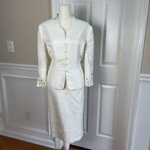 LE SUIT 2PC Stunning Ivory Floral Embroidered 3/4 Sleeves Skirt Suit Size 12P