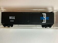 Micro Trains Line 32330 Boston & Maine Milk 50' Standard Box Car #1919