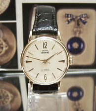 & Box Lovely Condition Antique Vintage Rare 1962 Smiths Astral Solid Gold Watch