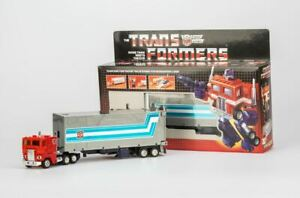 Transformers G1 Optimus prime reissue brand new MISB Free Shipping Gift