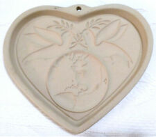 Pampered Chef 'PEACE ON EARTH HEART' 2002 Stoneware Cookie Mold #2826