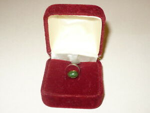 VINTAGE 14KT-14K YELLOW GOLD AND JADE TIE TACK BY SIMMONS *NEVER WORN