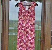 Schönes Kleid. Rot. LAURA TORELLI CLASSIC. Gr. S.  Neu mit Etikett