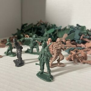 Over 100 Piece Army Soldiers Ready to Take Over