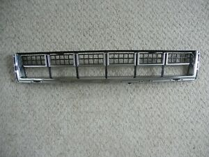 13 14 15 16 CADILLAC SRX OEM USED LOWER GRILLE 2013 2014 2015 2016