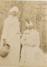 Déguisement Indiennes Deux Femmes France 2 Photos Vintage citrate vers 1895
