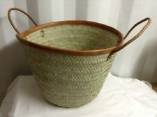 Picnic/ shopping bag collasible basket made of palm leaves with leather handles