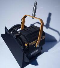 DeSisti Leonardo 1kw Model 310 Fresnel Spotlight Light w/ barndoors, C-clamp