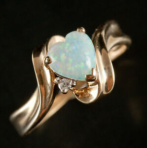 10k Yellow Gold Heart Opal Solitaire Ring W/ Diamond Accent .47ctw 1.8g