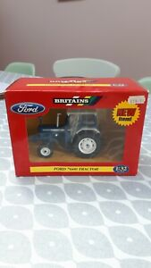 BRITAINS FARM TOYS 42416  FORD 7600 TRACTOR ( NEW IN BOX )