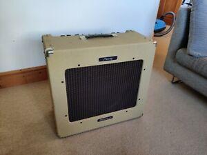 Peavey DELTA blues 115 - 30w Tube Amp