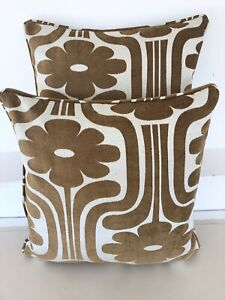 1 CUSHION COVER IN ORLA KIELY CLIMBING DAISY CHAIN, FABRIC BOTH SIDES