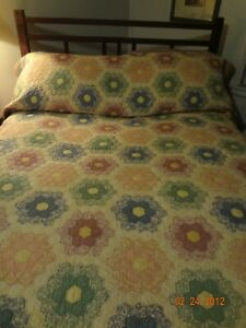 Sweet Vintage Grandmother's Flower Garden Quilt/Good Condition But Has Issues