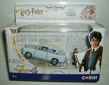 CORGI CC99725 HARRY POTTER FLYING FORD ANGLIA WITH 2 FIGURES NEW.