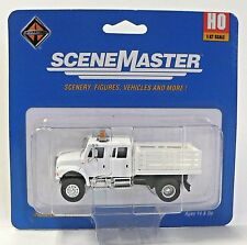 HO 1:87 Scale Maintenance of Way Crew Cab Stake Truck for Model Railroad Trains