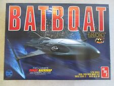 2017 Batman Batboat 1/25 Scale Model Kit With Backdrop In Box By Amt Dc Comics