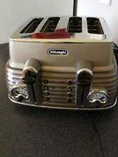 Delonghi Scultura 4-Slice 1800 Watt Kitchen Toaster Defrost Function Champagne