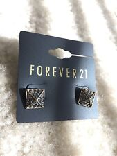 NEW Forever 21 Fashion Black Rhinestones Crystal Party Pyramid Studs Earrings