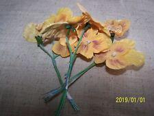 Bouquet de 3 branches de fleurs anciennes. Pensées. Couleur jaune. N°39