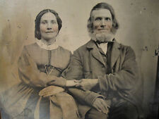 ANTIQUE AMERICAN BEAUTY OLD HUSBAND YOUNG WIFE HEARTS IN HANDS OLD TINTYPE PHOTO
