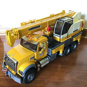 BRUDER 02818 Mack Granite Liebherr Crane Truck Yellow 2007 Germany Toy Gift L@@K