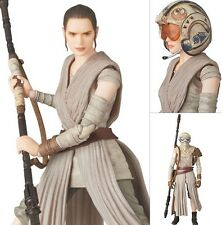 MISB in USA - Medicom Mafex 036 Star Wars - Rey -The Force Awakens Action Figure