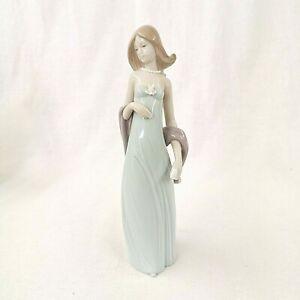 Lladro Ingenue 5487 Vestido de Noche Current Model