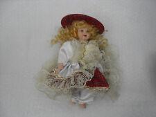 Bambola Vintage in porcellana dipinta a mano con Tartan e pizzo D'epoca