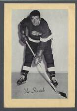 1944-63 Beehive Group II Detroit Red Wings Hockey Photos #212A Vic Stasiuk