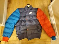 NEW NIKE SPORTSWEAR PUFFER BOMBER JACKET RED BLUE 928819-557 MEN'S SMALL $150