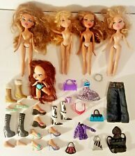 Lot of 4 Large Bratz Dolls and 1 Small w/ clothes shoes Accessories purses