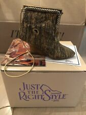 Just The Right Shoe by Raine- All That Glitters with box -Plays song!