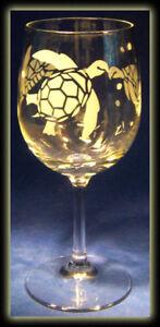 Sea Turtle Honu Hawaii Ocean Sea Life Art Wine Glass