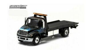 Greenlight 1/64. International Durastar Flatbed Tow Truck Black. New