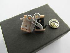 Needle Craft Brooch Pin Gift Boxed Handmade British Sewing Bee - Needlework