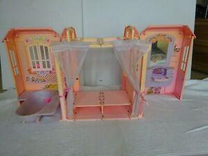 Mattel Barbie Puppen Haus Kofferhaus Magic Key