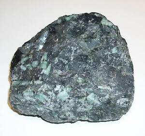 Smaragdstufe Smaragd 1,0 kg Stufe Kristall ST010