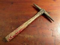 Collectable Vintage Hand Brick Pick Tool