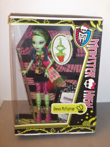 MONSTER HIGH - VENUS MCFLYTRAP - BASIC NEW IN BOX EVER AFTER 2011