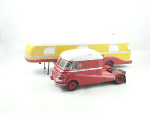 Direkt Collections Pinder Circus Set Of 2 Ford F798 & House Trailer Scale 1:43