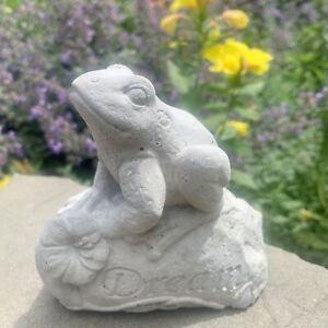 Life Size Concrete Frog Statue For Garden Lawn Sculpture Figurine Cute Stone Art