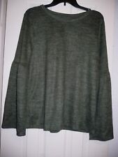 a.n.a. Women's Pullover Long Sleeve Top Rich Avocado Large Flares At Elbow