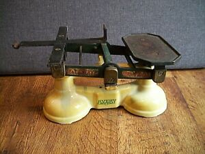 Antique Cast Iron and Enamel W&T.Avery Shop/Home Weighing Scales To Weigh 14lb