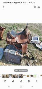 Crates Saddle