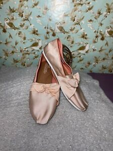 Size 12 ~ Women's Flats TOMS Pink Satin Bow Slip Ons