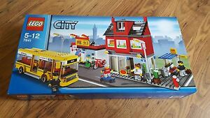 lego city 7641 corner magasin de velo pizzeria  bus  neuf scellée