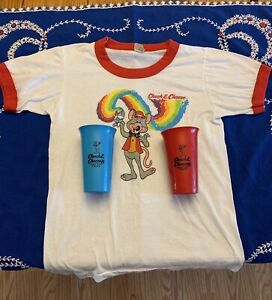 VINTAGE CHUCK E CHEESE LOT 2 PLASTIC DRINKING CUPS AND CHILDS T-SHIRT SIZE 14-16